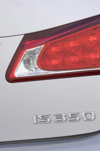 What Should Lexus Build? An IS 350 with trickle-down IS F goodness-2008_09_27_2009_is_350-prv.jpg