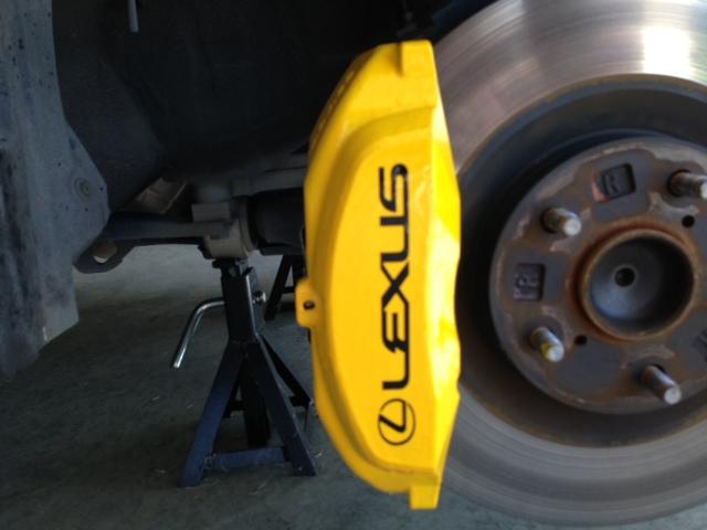 IS350 caliper painting & sticker DIY - no 56k-brakes1.jpg